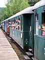 Samechov, parní vlak, lidé v oknech.jpg
