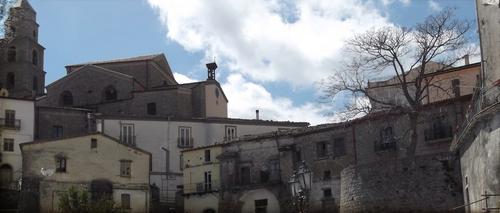 Panoramica del borgo medievale di San Fele