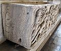Sarcofago 79, con scena mitologica 03.JPG
