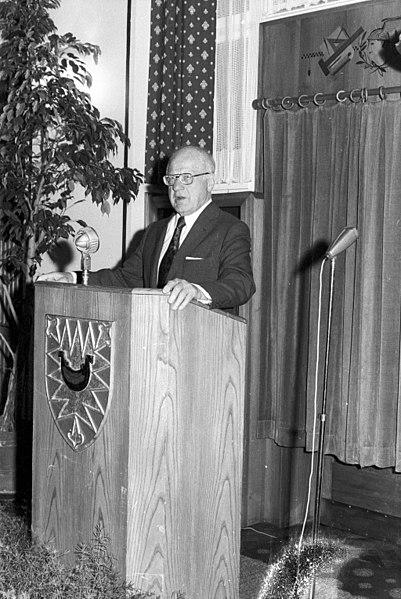 File:Seglerempfang im Rathaus zur Kieler Woche 1972 (Kiel 53.342).jpg