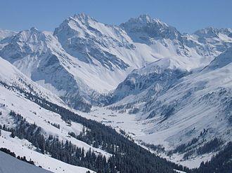 Hoch Ducan - Hoch Ducan (right peak) from the north side