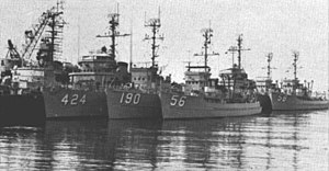 Ships of US Naval Reserve Mine Division 22 c1965.jpg