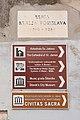 Signs in Sibenik 02.jpg