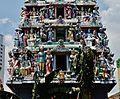 Singapore Tempel Sri Mariammam Gopuram 4.jpg