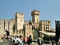 Sirmione castello scaligero.jpg