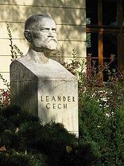 Busta Leandra Čecha