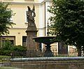 Socha sv floriana broumov.jpg
