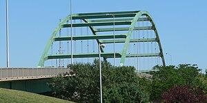 Siouxland Veterans Memorial Bridge - Siouxland Veterans Bridge, seen from the Nebraska side