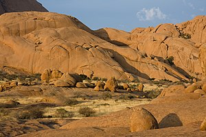 Spitzkoppe - The vast campsite at the foot of Spitzkoppe