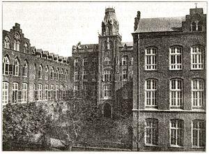 St. Xavier's High School, Fort - Image: St. Xaviers High School Bombay 1908 3