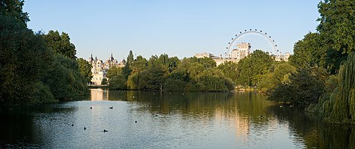 St James's Park Panorama - Sept 2006