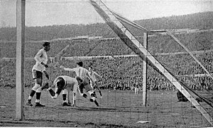 Guillermo Stábile - Stábile celebrating the Argentina's 2nd. goal v. Uruguay at the 1930 final.