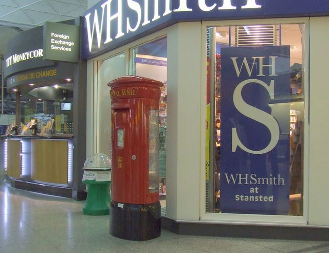 Stansted Airport Shops - geograph.org.uk - 1135179