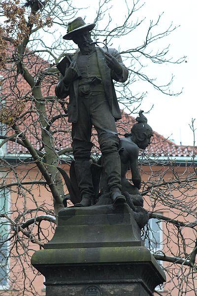 File:Statue Benedikt Roezl Place Karlovo Prague 5.jpg