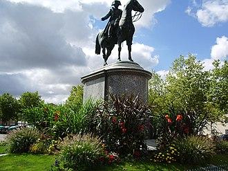 La Roche-sur-Yon - Image: Statue de Napoléon