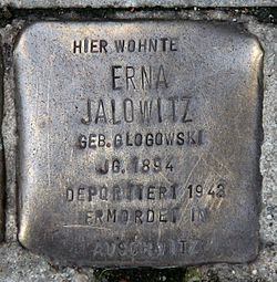 Photo of Erna Jalowitz brass plaque