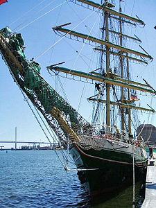 Stralsund, Segelschiff ALEXANDER VON HUMBOLDT im Hafen (2007-06-11), by Klugschnacker in Wikipedia.jpg