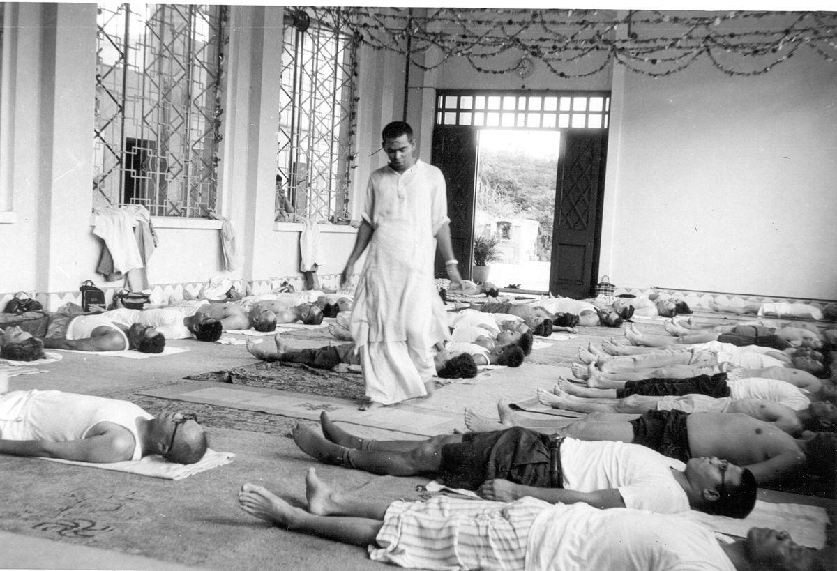 Sivananda yoga - Wikipedia
