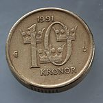 Swedish 10 crown coin flip side.jpg