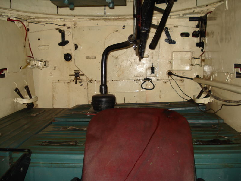 The T34 model 1941/42 interior. The floor were the commander stands is made of ammunition cases. The finishes and equipments were limited to the bare minimum.