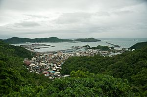 Su'ao - Image: Taiwan 2009 Su Hua Highway Su Ao Port FRD 6960