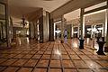 Teatr Wielki w Warszawie Foyer dolne.jpg