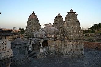 Kumbhalgarh - Image: Temple in Kumbalgarh fortress 01