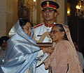 The President, Smt. Pratibha Devisingh Patil presenting the Padma Bhushan Award to Dr. (Ms.) Inderjit Kaur at Civil Investiture-II Ceremony, at Rashtrapati Bhavan, in New Delhi on May 10, 2008.jpg