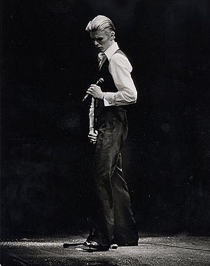 Isolar – 1976 Tour - Image: The Thin White Duke 76