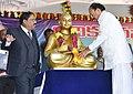 The Vice President, Shri M. Venkaiah Naidu garlanding Aadikavi Nannaya Statue at Adikavi Nannaya University, in Rajahmundry, Andhra Pradesh on November 06, 2017.jpg