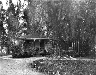 "Rancho Santa Anita - Image: The home of Elias J. (""Lucky"") Baldwin, the former Hugo Reid Adobe, at Rancho Santa Anita, ca.1903 (CHS 5178)"