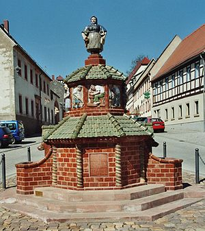 Kohren-Sahlis - Ceramic Fountain in the Market Square, Kohren-Sahlis