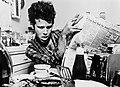Tom Waits (1979–80 publicity photo in kitchen by Greg Gorman).jpg
