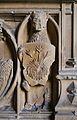Tomba de Maria de Castella, lleó amb un escut amb un lliri de tres tiges, monestir de la Trinitat.JPG