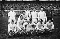Tottenham Hotspurs tegen Atletico Madrid 5-1 Nr 14 en 15 Elftal Tottenham Hots, Bestanddeelnr 915-1586.jpg