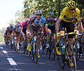 Tour de France 2016, peloton met froome (28517036051).jpg