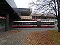 Troja, Lodžská, zastávka Krakov, u lávky, autobus.jpg