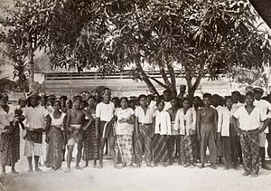 Dark skin - Dark-skinned Indonesian migrant workers in Suriname, circa 1940