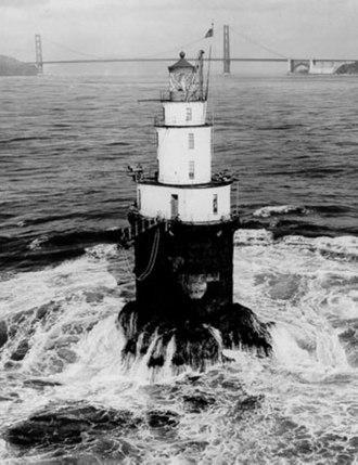 Mile Rocks Lighthouse - Image: USC Gmilerocks Before