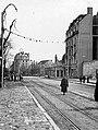 Ulica Pariska az ulica Tadeuša Košćuška felé, jobbra a Srpski kralj (Szerb Király) szálló romjai. Fortepan 16191.jpg