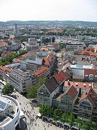 View from the Münster towards Hirschstraße. Due to its almost complete destruction in 1944, this part of the city primarily consists of modern architecture.