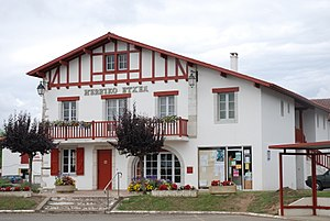 Urcuit - Town hall