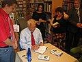 Václav Klaus - autogramiáda knihy Modrá, nikoli zelená planeta.JPG