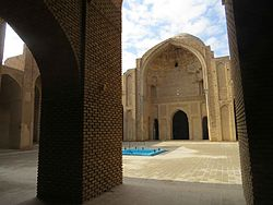 Interior courtyard of Masjed-i Varamin