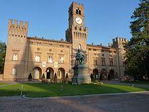 Veduta di Rocca Pallavicino da Piazza Giuseppe Verdi - Busseto.JPG