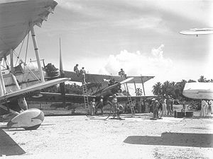 Vickers Vildebeest - Vildebeest Mk.IIIs of 100 Squadron refuelling at Singapore, 1942.