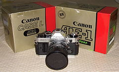 Vintage Canon AE-1 Program 35mm SLR Camera, Made In Japan (13385005424).jpg