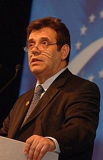 Vojislav Kostunica - EPP Congress Rome 2006 (68) (cropped).jpg