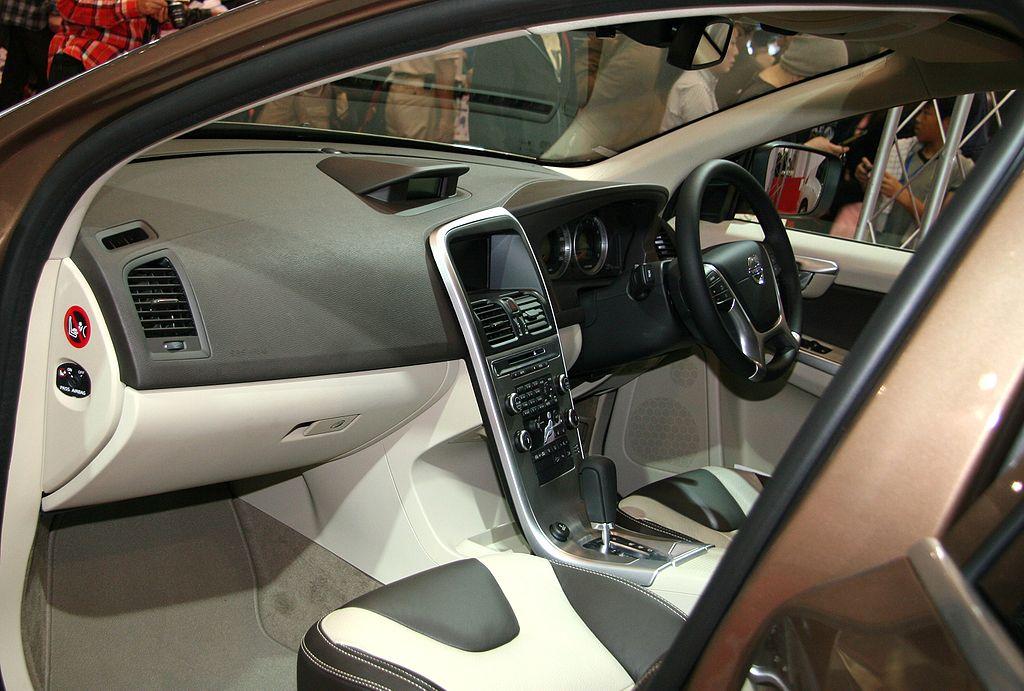 File:Volvo XC60 Interior