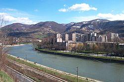 Vue de ZENICA depuis la rivière BOSNA.jpg